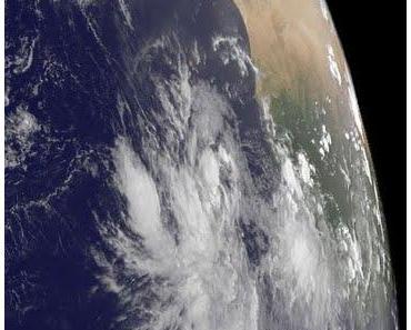 Tiefdruckgebiet bei Kapverdischen Inseln könnte zum Tropischen Sturm KATIA werden