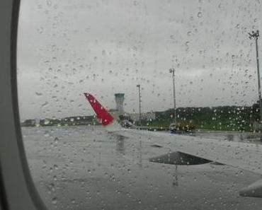 Auch in Kobe Regen – Der Taifun kommt