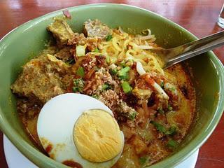 Thai-Suppe / Thai Soup: Guay Tiau Kaek or Thai Laksa