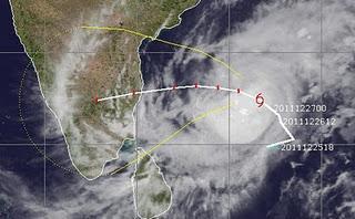 012 Tropischer Sturm THANE bdroht Indien
