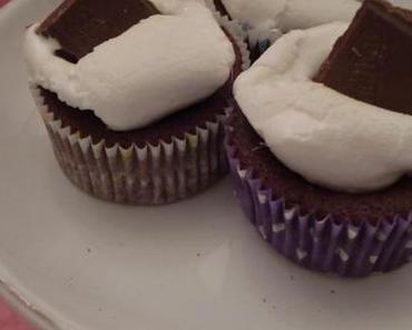 Ein Cupcaketräumchen mit Milky Way, Ovomaltine-Schoggi und Marshmallows