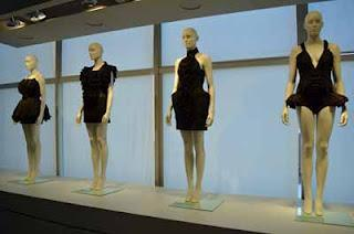 "Die Modekollektion ""The Black Whole"" in Göteborg"