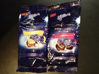 Halloren Confiserie Weihnachtskugeln - Vanille / dunkle Schokolade