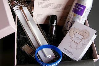 Die Glossybox im Monat Februar 2012