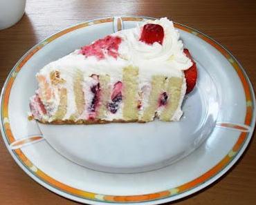 Wickeltorte mit Erdbeer-Joghurt-Creme