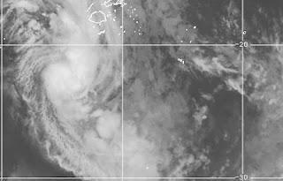Tropischer Sturm / Zyklon DAPHNE entsteht bei Fidschi