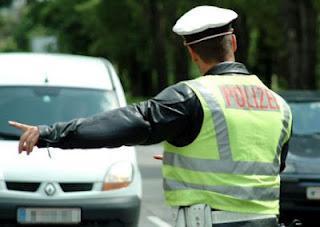 Die alte Leier: Ich will auch mal Polizist sein!