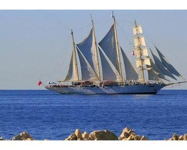 Hafengeburtstag: Volldampf und volle Segel