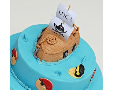 Torte mit Piratenschiff