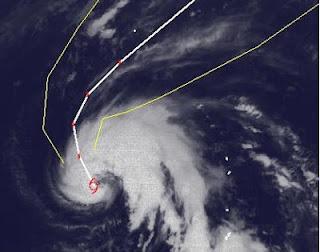 Tropischer Sturm SANVU ist jetzt fast ein Taifun