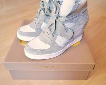 Isabel Marant Sneaker Wedges vs. Ash Cool Clay White