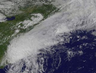 BERYL ist jetzt ein post-tropischer Sturm