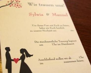 Eine Hochzeitstorte nach der Vorlage der Einladung