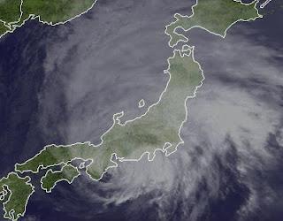 Ex-Taifun GUCHOL (BUTCHOY) Landfall Japan