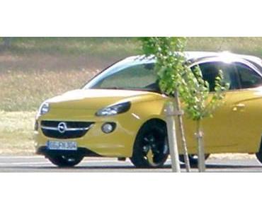 Opel Adam ungetarnt entdeckt
