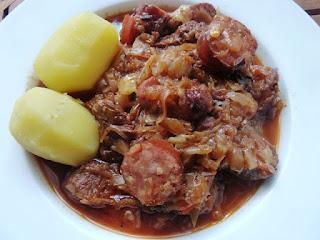 Bigos – ein Schmortopf aus Polen / Bigos – a Stew from Poland