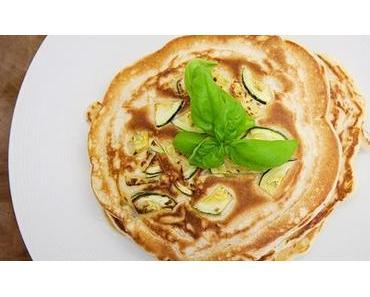 Pikanter Zucchini Pfannkuchen Rezept
