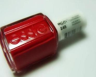 New in: essie she's pampered (Leading Lady)