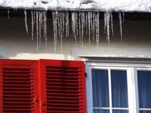 Winterschäden am Haus finden und beseitigen