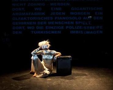 """Sozialkritik im Eilverfahren – """"Der Freund krank"""" bei werkmünchen // Alex Novak"""