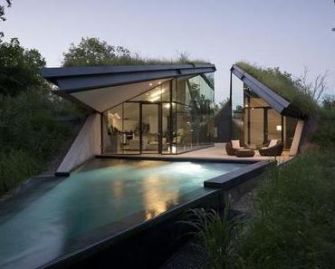 My Dream House # 1: The Edgeland House