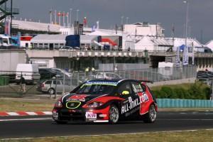 FIA WTCC: Weltmeister Huff siegt