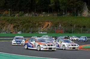 Ehemaliger Formel 1 Pilot gewinnt Rennen 1 der ADAC Procar in Spa
