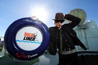 Rockliner 3 legt 2014 ab - Udo Lindenberg und seine Panik-Crew rocken erneut die Mein Schiff