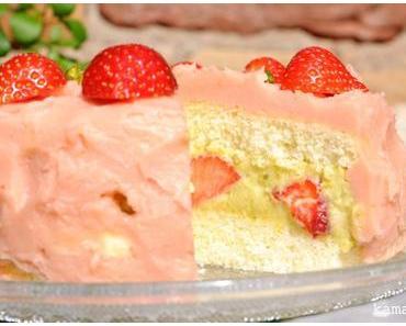Debüt: Erdbeer-Pistazienmousse-Torte
