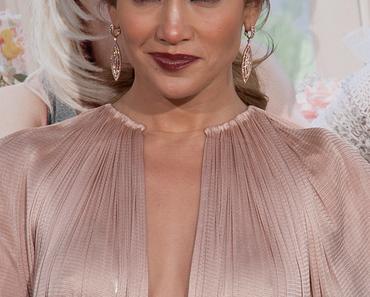 Jennifer Lopez freut sich über eigenen Stern auf dem Walk of Fame