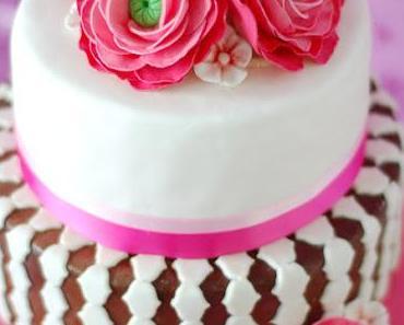 Ranunkel Torte und Rosenwasser Cupcakes