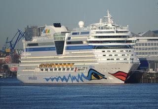 AIDA Cruises lädt ein zu Schiffsbesichtigungen in Warnemünde und Hamburg