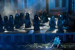 Betanze, dass du sterblich bist – Memento Mori: Gärtnerplatztheater // Karl Alfred Schreiner / Edward Clug