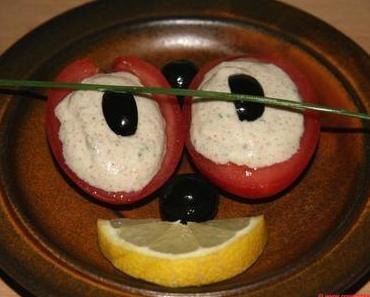 Kalte Küche für heiße Tage – Mandel-Zucchini-Hummus