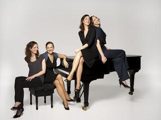 """Hamburger Quartett stellt Mix aus Klassik, Filmmusik, Folk und Chanson vor - """"Salut Salon"""" an Bord der EUROPA 2: Musikalisches Crossover auf See"""