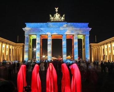 Festival of Lights Berlin – Guardians of Time by Manfred Kielnhofer – contemporary modern light art festival