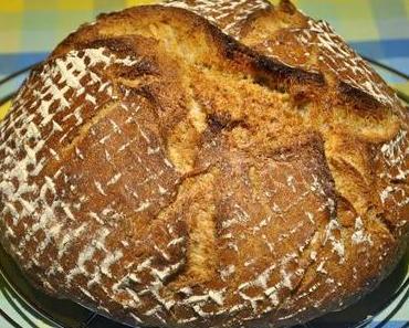 Buttermilch-Brot mit Sonnenblumenkernen