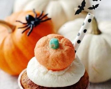 Halloween - Saftige Kürbis Muffins mit weißer Schokolade