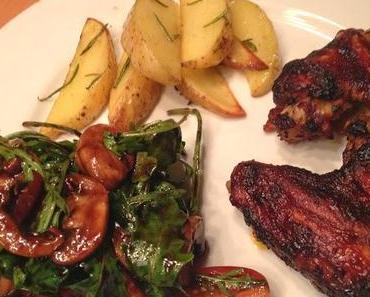 Chickenwings mit Kartoffeln und Salat