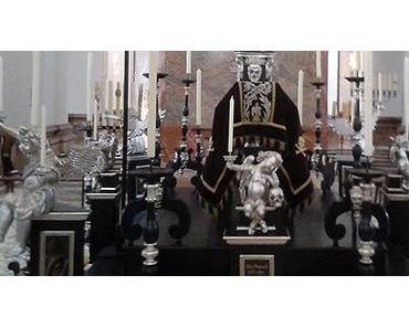"""Tumba"" – Grabmal in der Basilika Mariazell aufgestellt"