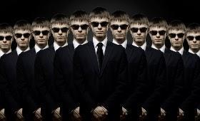 Sind alle Banker Gangster? Der Pakt mit dem Teufel.? Schleudersitze überall ?