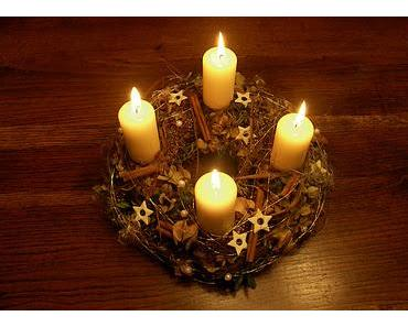 Werners Adventstür Nr. 10: Die Geschichte der vier Kerzen