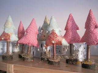 Frohe Weihnachten, mit selbstgemachtem Weihnachtsbaumbehang im Tilda Style