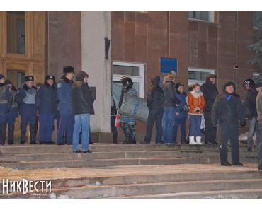 Klitschko heizt Krise an, Ostukraine steht auf