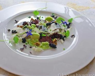 kleine Vorspeise: Hering, Salat und Eingelegtes