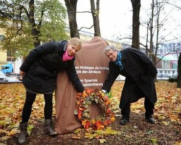 Grünen-Funktionäre schänden Denkmal und verunglimpfen eine ganze Nation