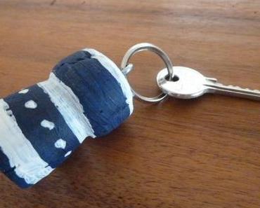 Recycling Basteln: Schlüsselanhäger aus Korken