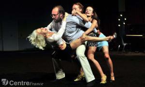 Spielwiese – Les Danseurs ont apprecié la Qualité du Parquet: Maison des Arts de Créteil // Les Chiens de Navarre