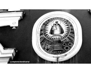 Bild der Woche: Marienbild auf der Fassade der Lebzelterei Kerner