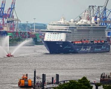 """Mit Mein Schiff 3 """"atemlos durch die Nacht"""" - Gäste und Hamburger feiern die Taufe des TUI Cruises Neubaus"""
